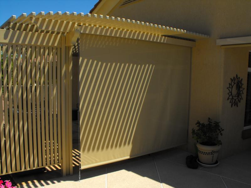 ALUMAWOOD LATTICE PATIO WITH ROLL DOWN SHADE CRANK SYSTEM